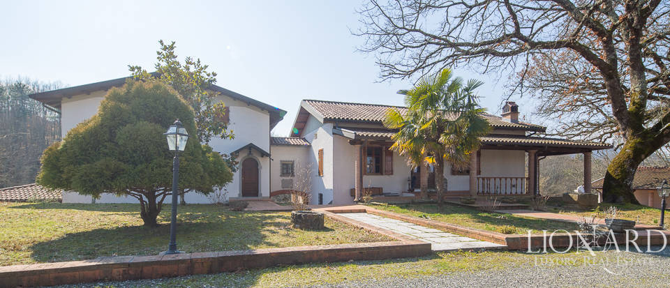 Villa for sale in Massa Image 3