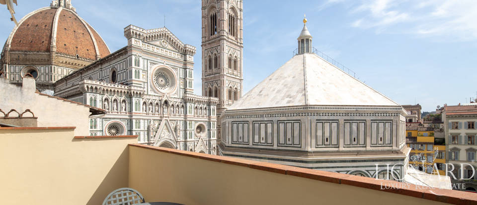 Exclusive apartment for sale in front of the Cathedral  Image 1