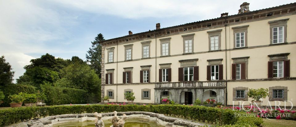 luxury home sold in lucca italy