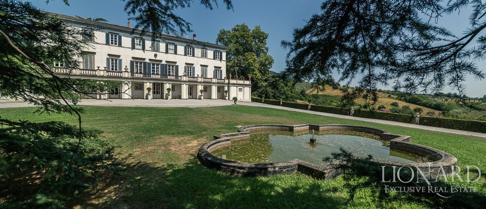 Luxury Historic Villa For Sale in Lucca Image 1