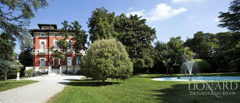 LUXURY VILLA FOR SALE IN NORTH ITALY Image 1