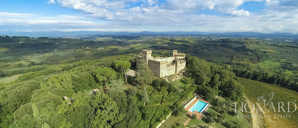 CASTLE FOR SALE IN CHIANTI Image 1