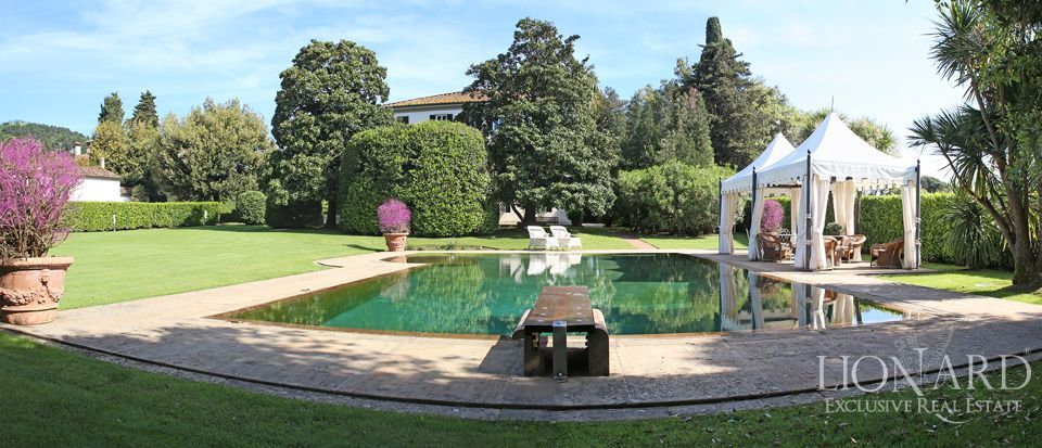 Historic villas for sale in Lucca Image 2