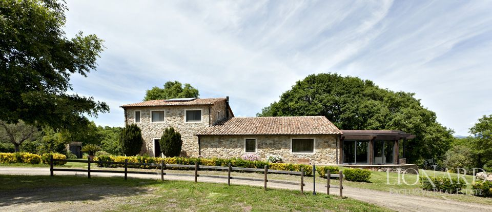 Farm eiendommer for salg i Toscana Image 31