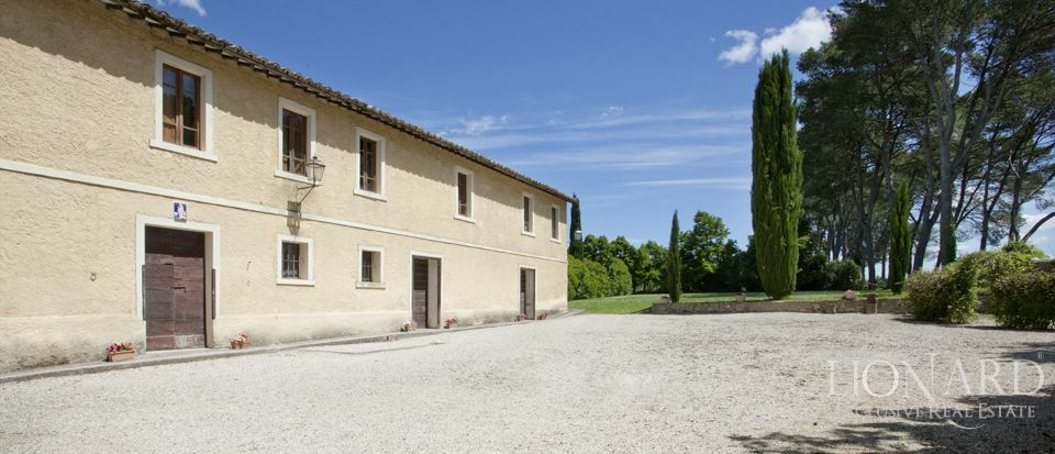 Luxury villas for sale in Umbria Image 34