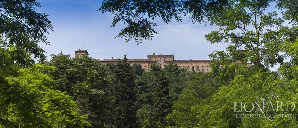 Castle in Milan for sale Image 59