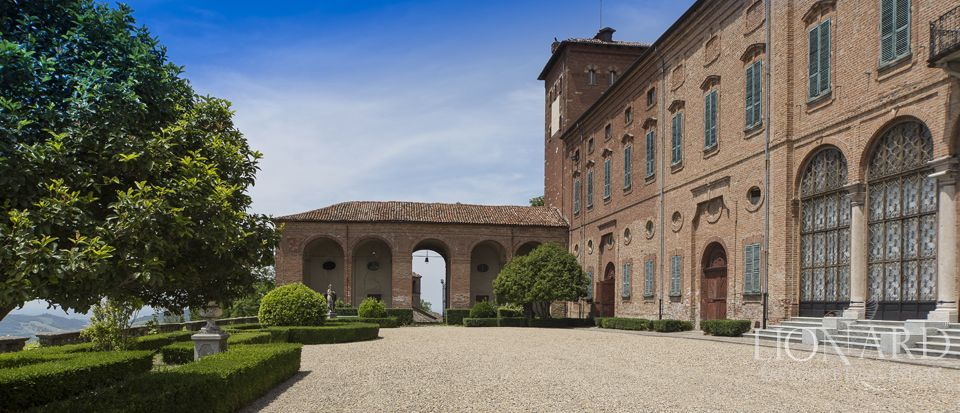 Castle in Milan for sale Image 44