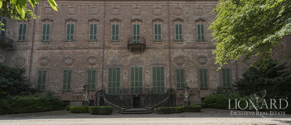 Castle in Milan for sale Image 43