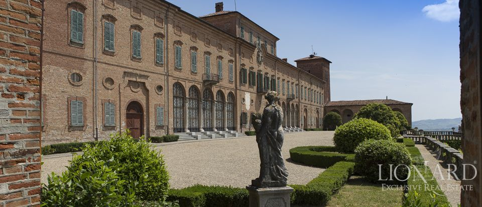 Castle in Milan for sale Image 36