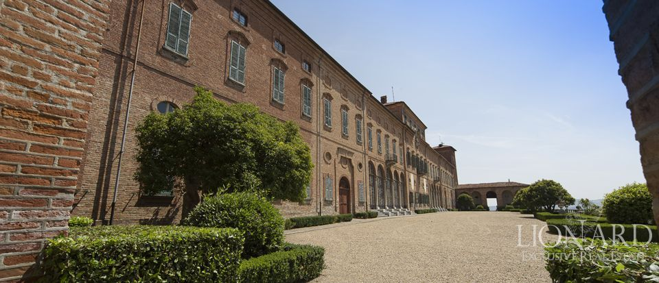 Castle in Milan for sale Image 35