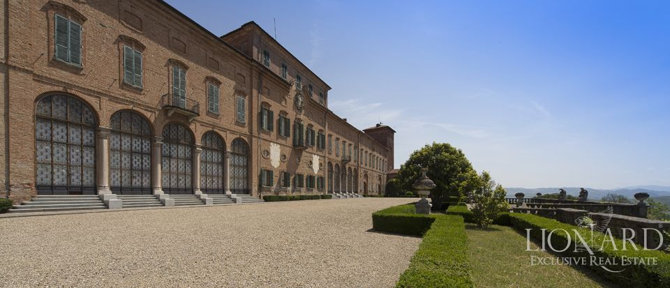 Castle in Milan for sale Image 33