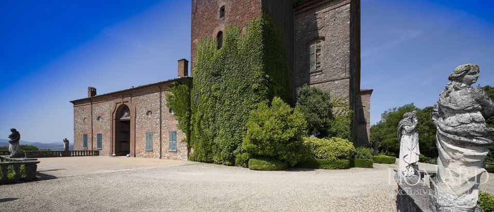 Castle in Milan for sale Image 26