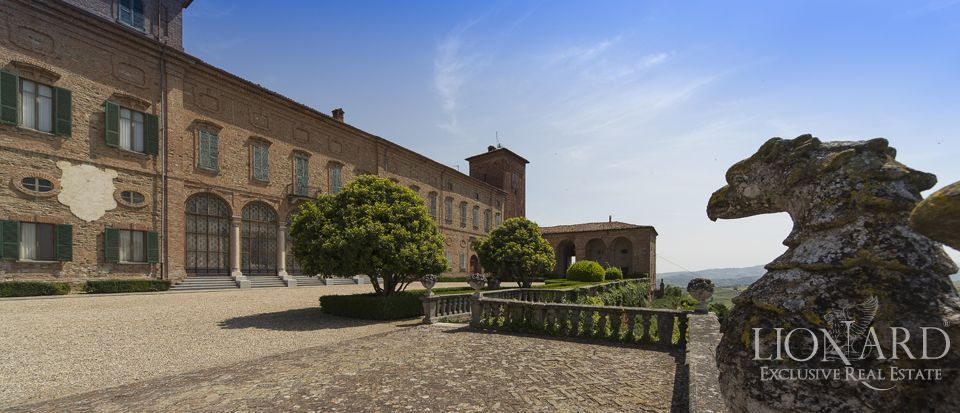 Castle in Milan for sale Image 8