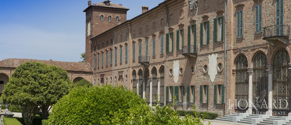 Castle in Milan for sale Image 5