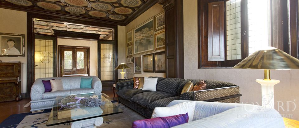 Luxury villas for sale in Florence Image 22