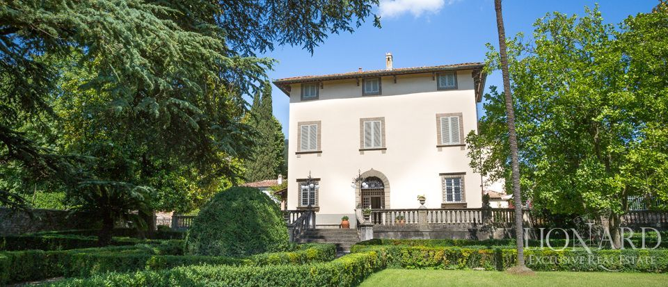 Luxory villas for sale in Lucca Image 2
