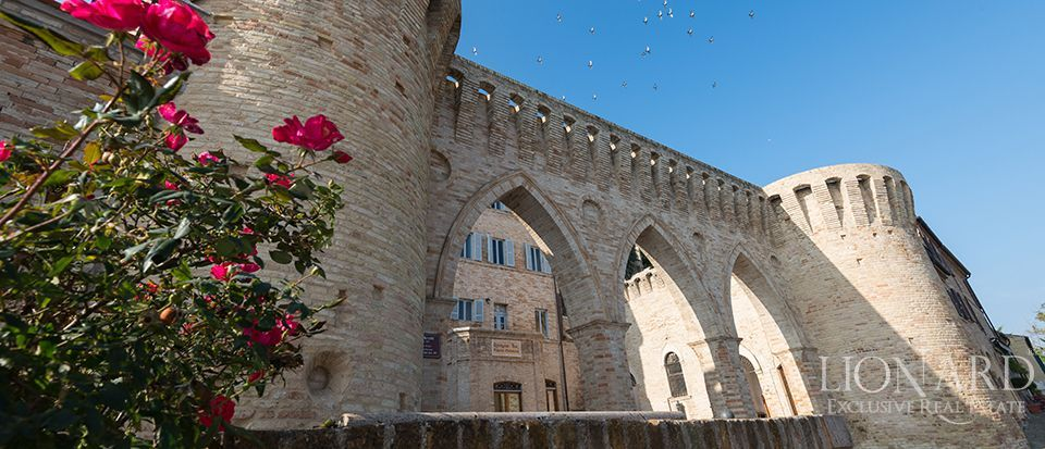 LUXURY PALACE FOR SALE IN MARCHE Image 1