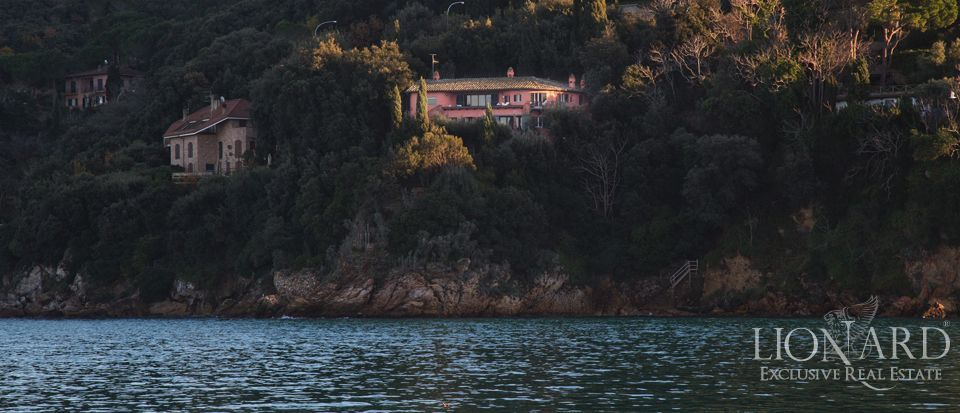 LUXURY VILLA FOR SALE ON MONTE ARGENTARIO Image 1