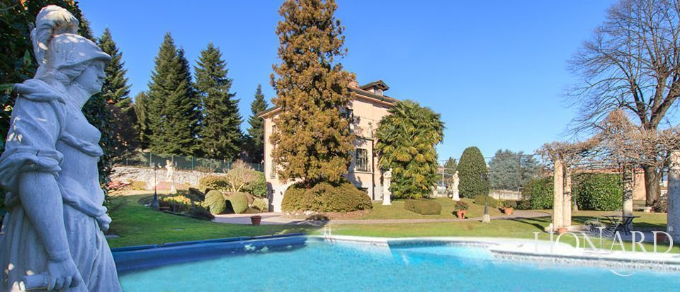 Luxury villa for sale in Varese Image 1