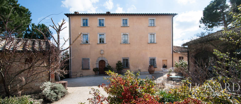 Luxury country house in Siena Image 1