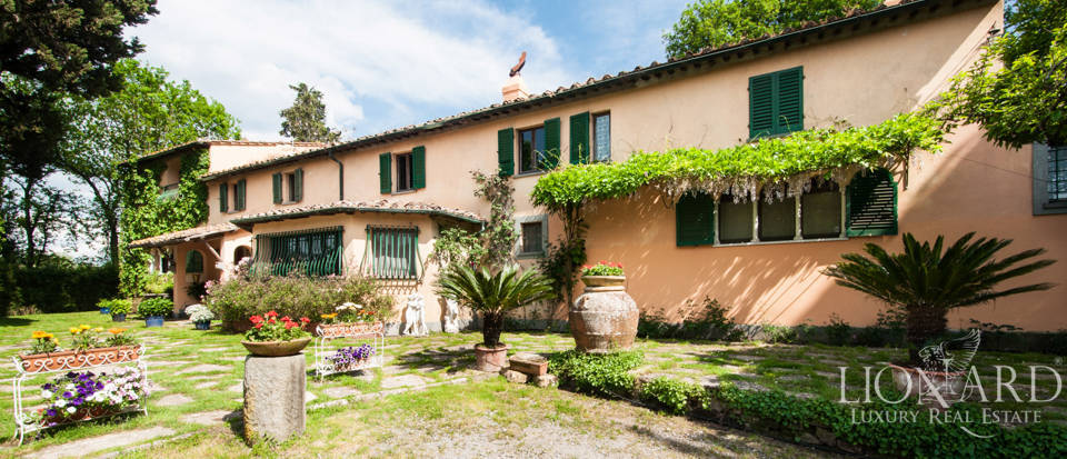 Villas for sale in Lucca Image 1