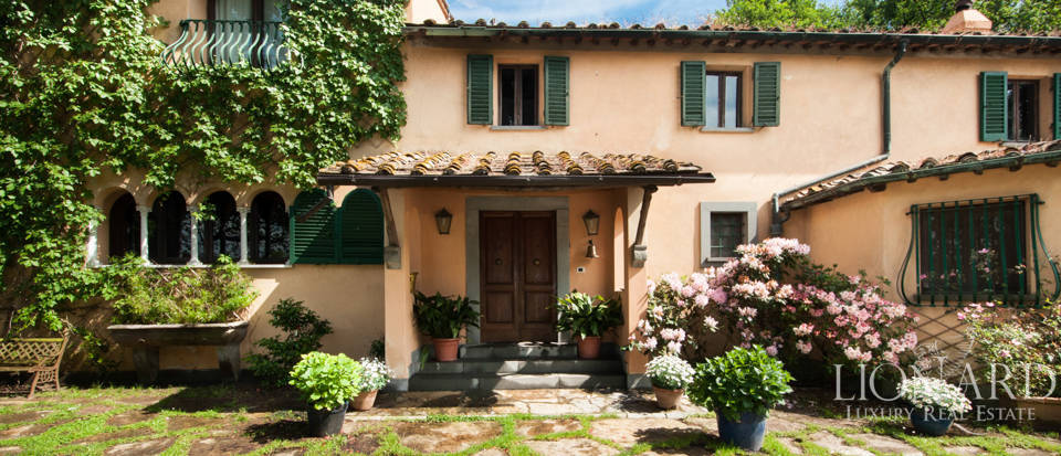 Villas for sale in Lucca Image 4