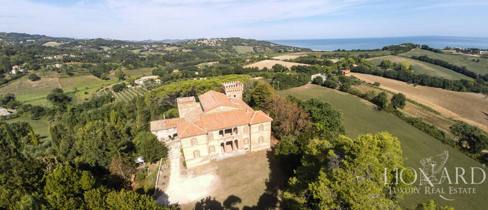 Historical Luxury villa in the Marche