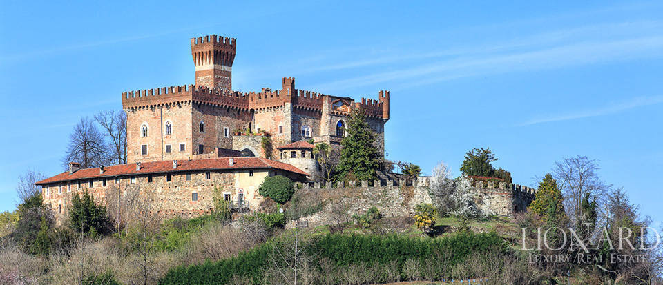 Magnificent 14th-century castle in Piedmont