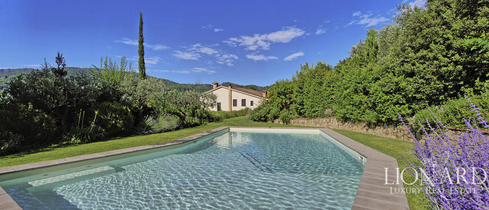 Stunning villa with swimming pool in Tuscany