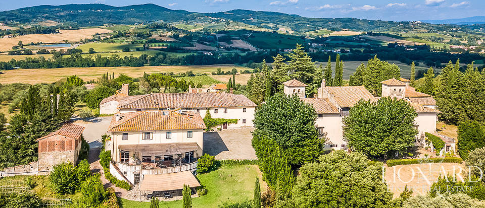 Historical villa with wine-producing farm for sale in Chianti