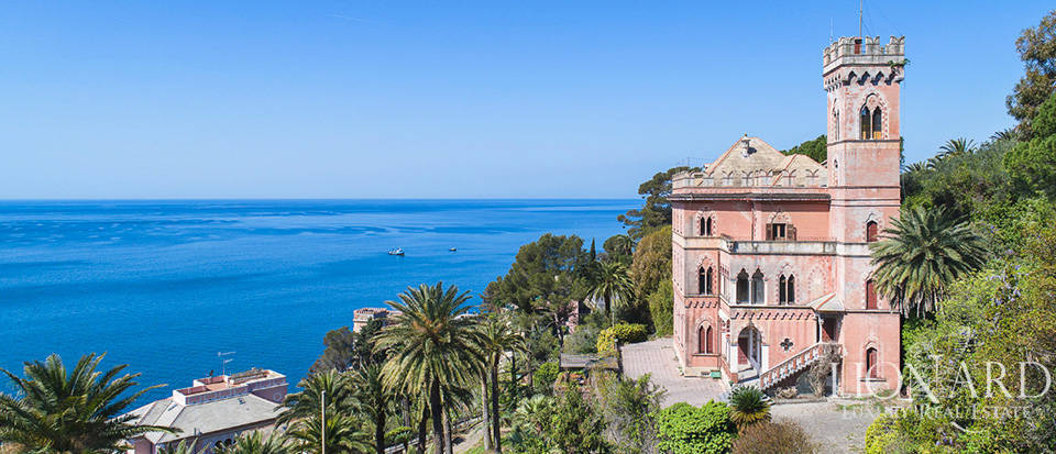 Stunning historical villa for sale in Recco