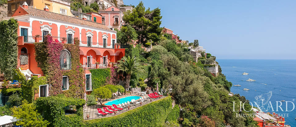 Wonderful sea-front villa for sale on the Amalfi Coast