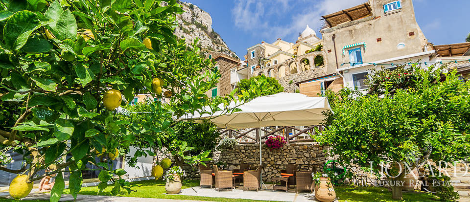 Luxury farmhouse for sale on the Amalfi Coast