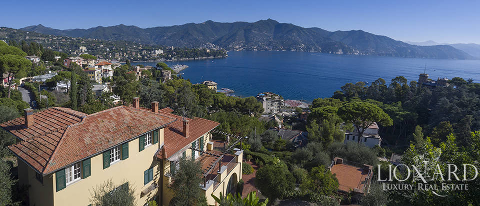 Charming villa with sea view for sale