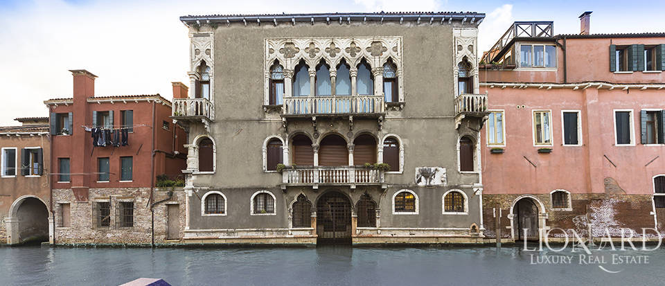 Luxurious penthouse for sale in Venice