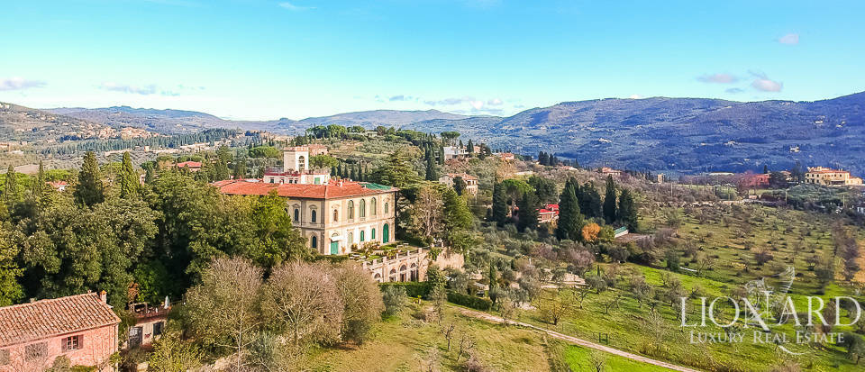 Luxurious apartment for sale on Florence's hills