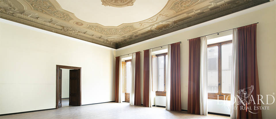Historical palace for sale in the heart of Florence