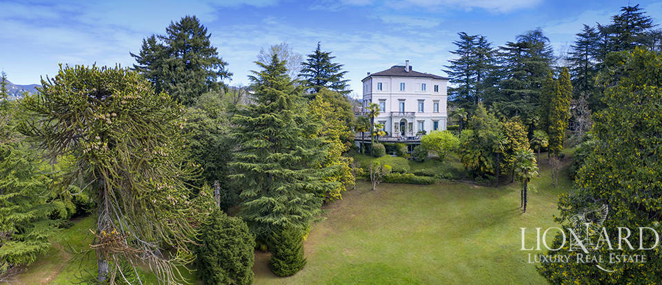 Luxury estate for sale by Lake Varese