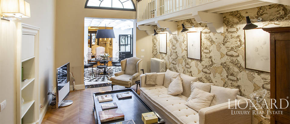Luxurious apartment on Florence's riverside