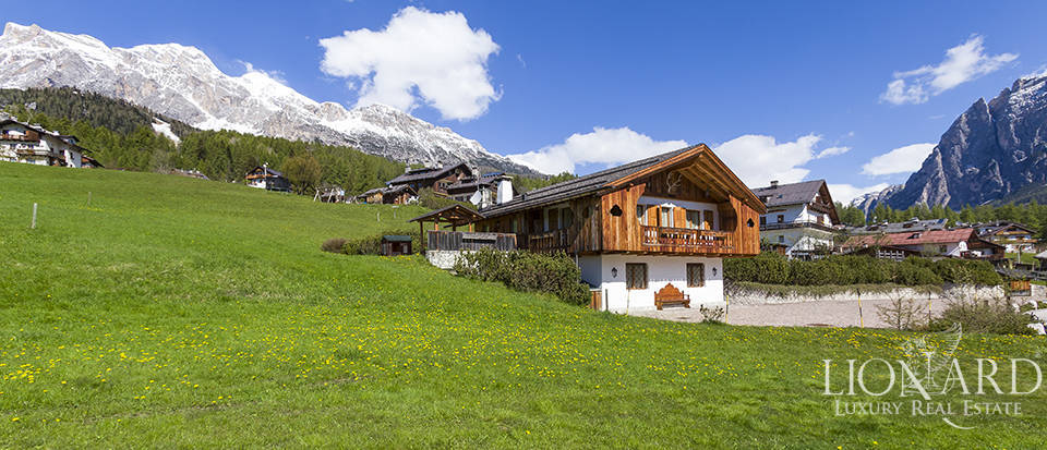 Luxurious chalet for sale in Cortina d'Ampezzo