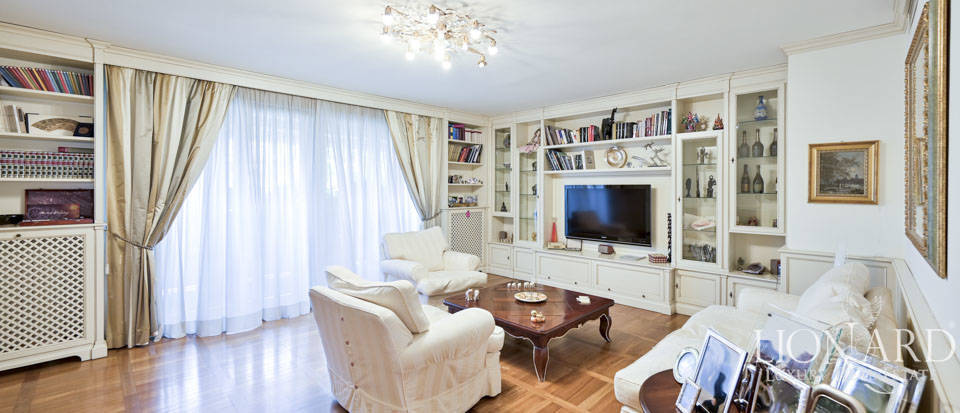 A gem property for sale in Via Crivelli, Milan