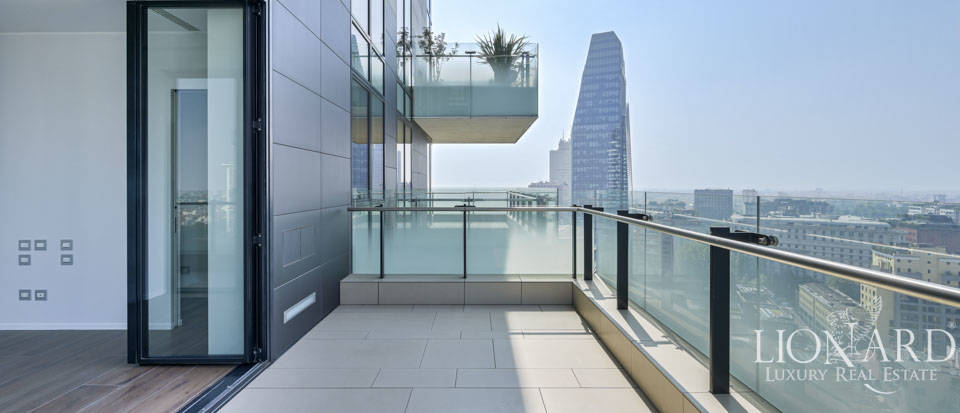 Panoramic estate for sale in the Torre Solaria