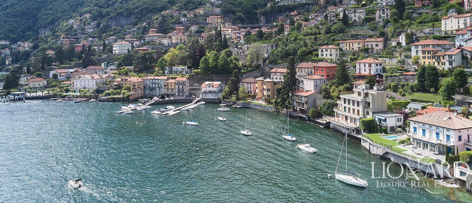 Lake-front villa with private dockyard by Lake Como