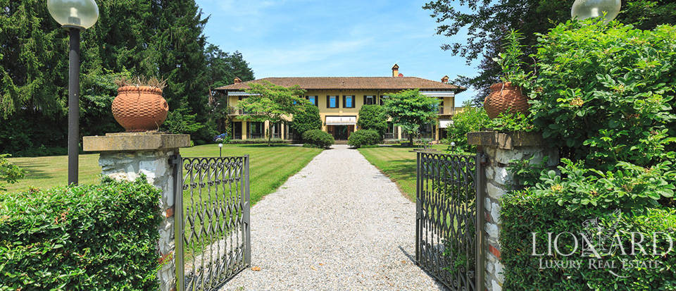 Luxury estate for sale in the province of Varese