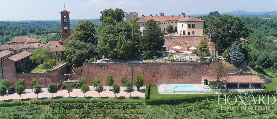 Luxurious Medieval castle for sale in the heart of Asti