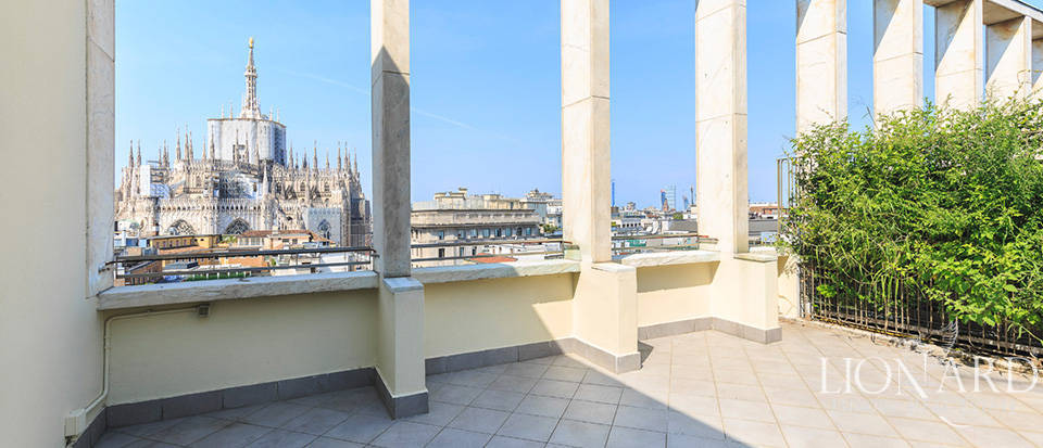 Luxury penthouse with a view of Milan's Cathedral for sale