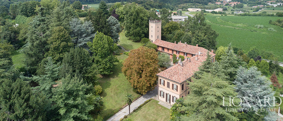 Period estate for sale in the heart of Merate
