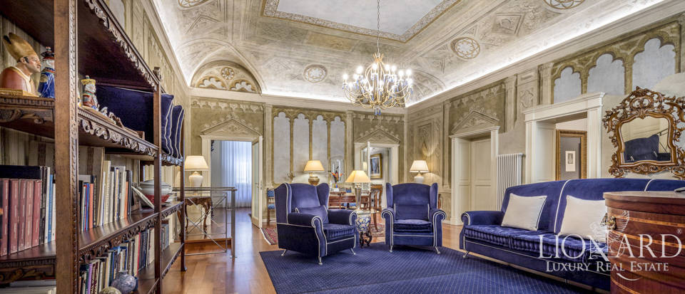 Elegant apartment close to Florence's cathedral