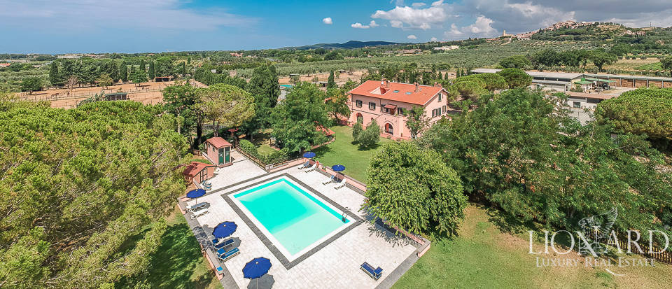 Luxury agritourism resort for sale in Rosignano Marittimo
