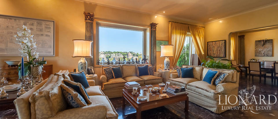 Two-storey penthouse for sale in Rome